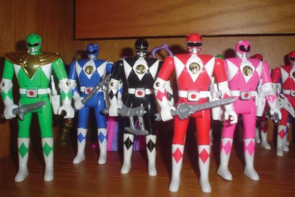 brinquedo-boneco-de-power-ranger-600x400